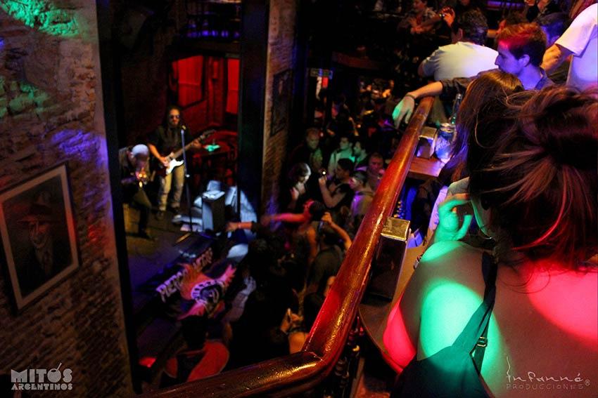 cena show en Mitos Argentinos